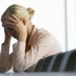 Estrés y edad compiten por ver quién destiñe antes el pelo