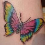 ¿Qué tan difícil es borrar un tatuaje?